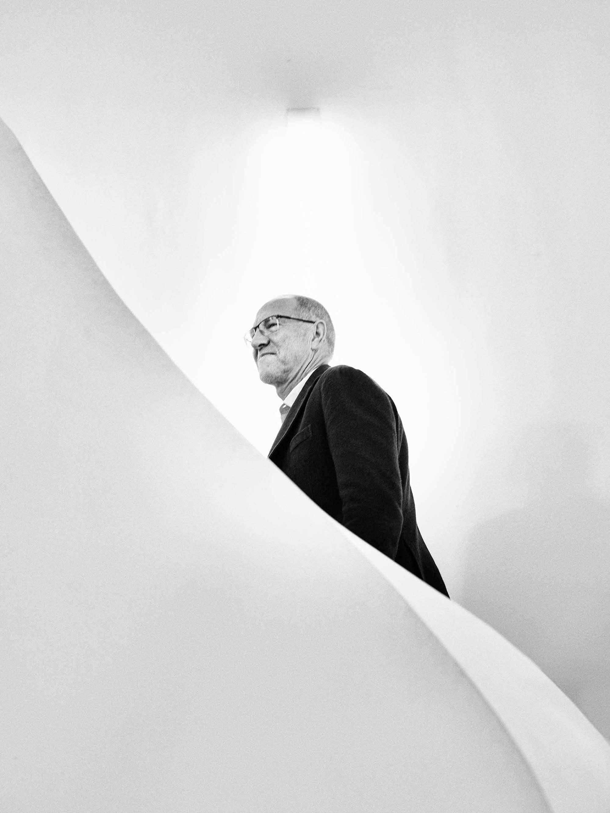 R-Biopharm AG: Ralf Dreher auf der Treppe